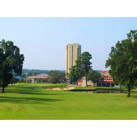 The finishing hole at La Torretta Lake Resort & Spa is the third par 5 on the back nine, and reachable by big hitters.