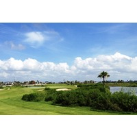 The par-5 fifth hole at Moody Gardens Golf Course can play as long as 570 yards.