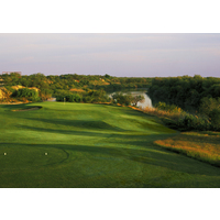 The par-3 ninth at the Max A. Mandel Golf Course in Laredo borders the Rio Grande.