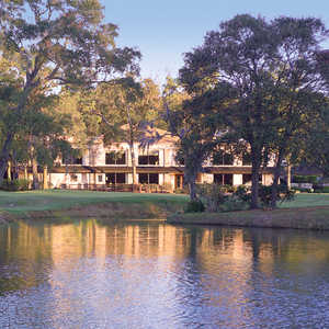 River Plantation CC: Clubhouse