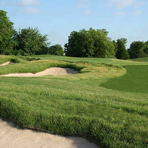 Old American GC: the bunkering on the par-4 13th