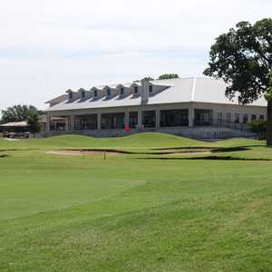 Walnut Creek CC: Clubhouse
