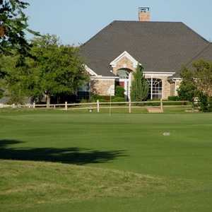 Lost Creek GC: clubhouse
