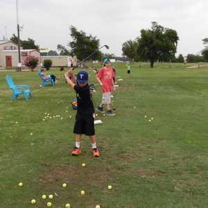 Hartlines Golf Center & Driving Range: Practice area