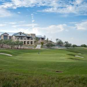 Cordillera Ranch GC: clubhouse & green